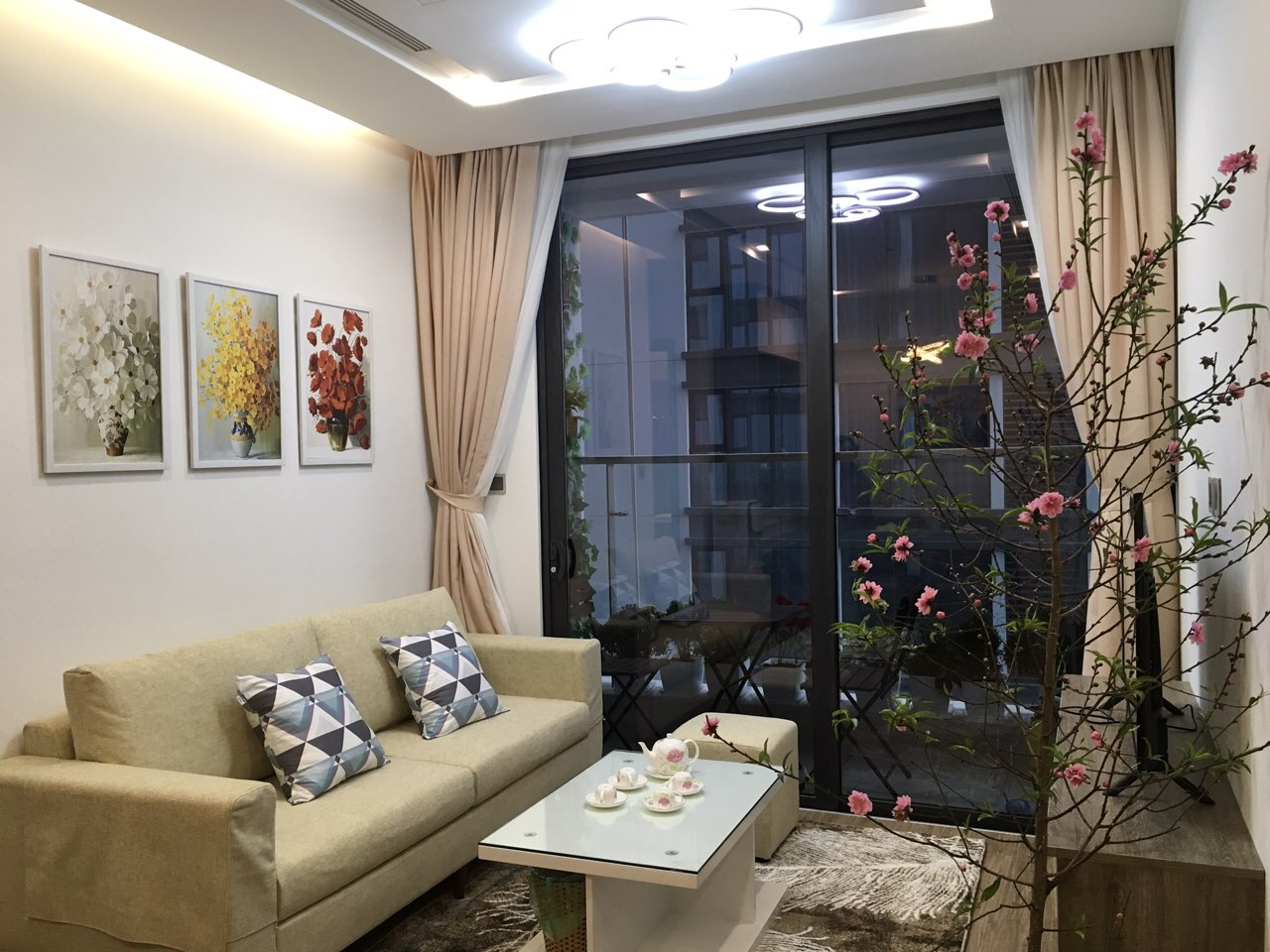 Brand new one bedroom apartment for rent in Vinhomes Metropolis Lieu Giai 1