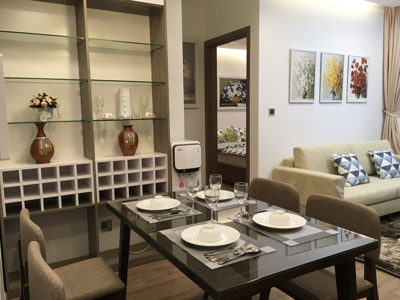Brand new one bedroom apartment for rent in Vinhomes Metropolis Lieu Giai 4
