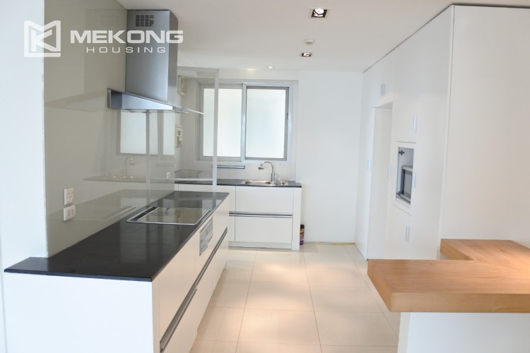Brandnew apartment for rent in E4 tower, 3 bedrooms 3