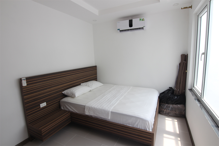 Bright 1 bedroom apartment  for rent on Dang Thai Mai street, Tay Ho district 7