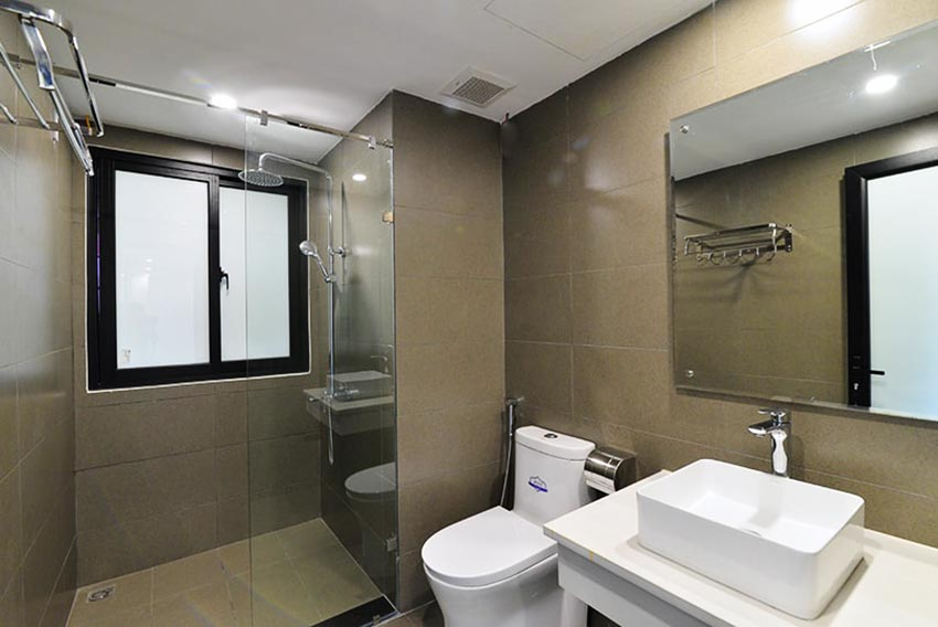 Bright 2 BRs apartment with awesome greenery view on Dang Thai Mai street, Tay Ho 12