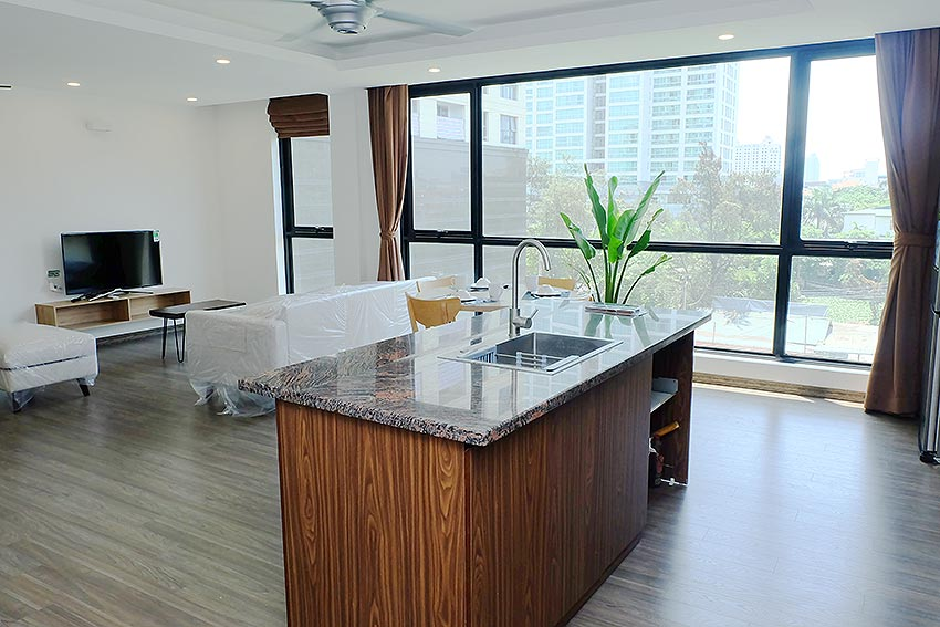 Bright 2 BRs apartment with awesome greenery view on Dang Thai Mai street, Tay Ho 4