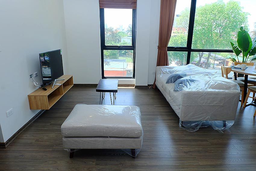 Bright 2 BRs apartment with awesome greenery view on Dang Thai Mai street, Tay Ho 6