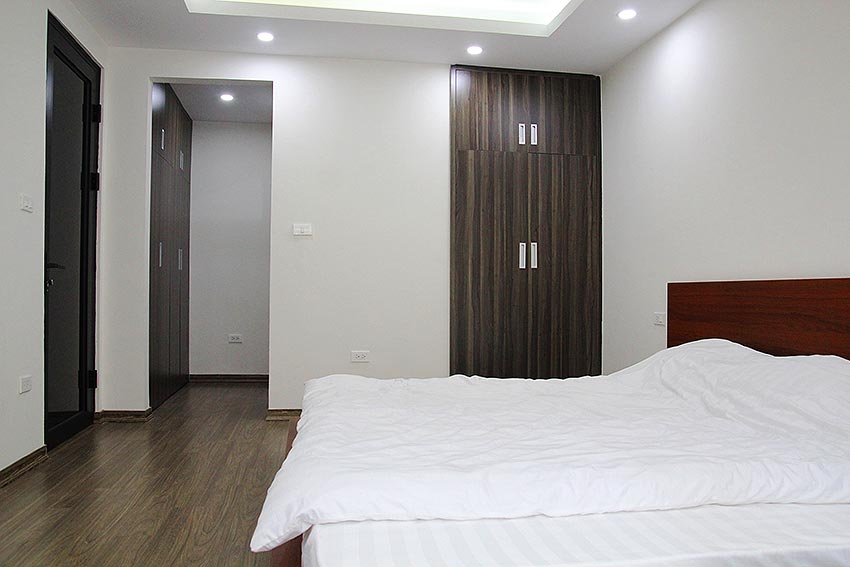 Bright 2 BRs apartment with awesome greenery view on Dang Thai Mai street, Tay Ho 9