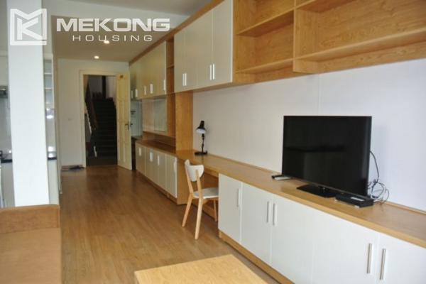Bright and comfortable apartment for rent in Trieu Viet Vuong street 2
