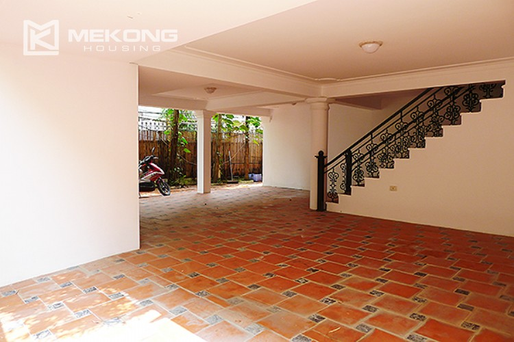 Bright and nice house in To Ngoc Van street for rent 4