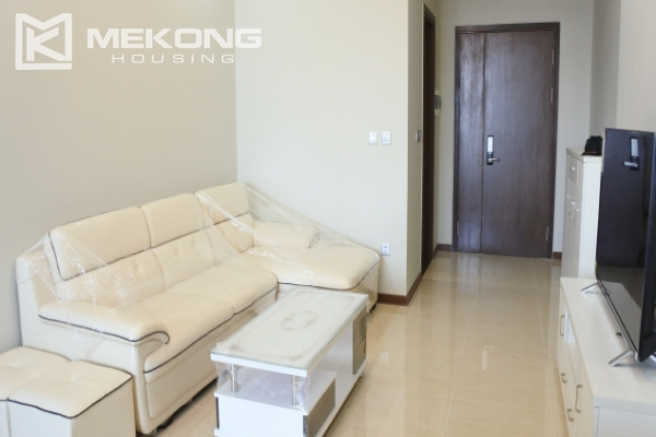 Bright apartment with 2 bedrooms for rent in Trang An Complex 4