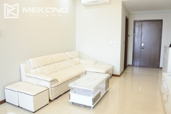 Bright apartment with 2 bedrooms for rent in Trang An Complex 5