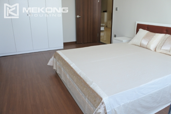 Bright apartment with 2 bedrooms for rent in Trang An Complex 11