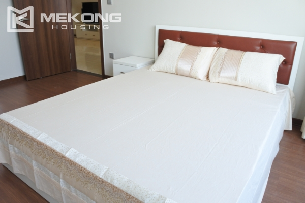 Bright apartment with 2 bedrooms for rent in Trang An Complex 12