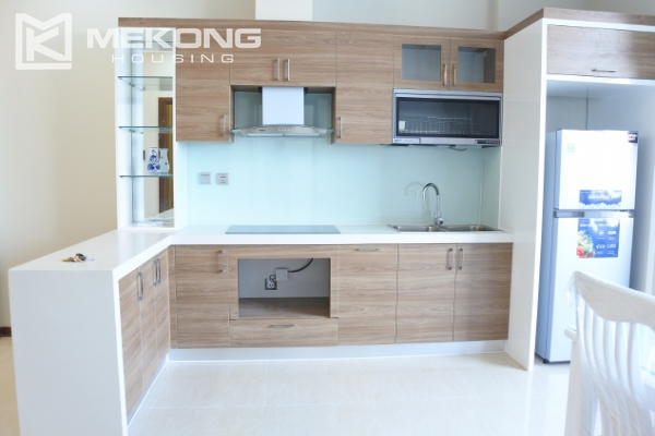 Bright apartment with 2 bedrooms for rent in Trang An Complex 8