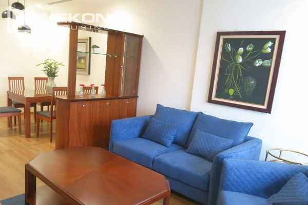 Bright apartment with 2 bedrooms for rent in Vinhomes Nguyen Chi Thanh, Hanoi 2