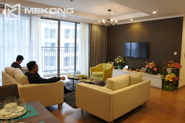 Bright apartment with 3 bedrooms and full furniture in Times City Hanoi 2