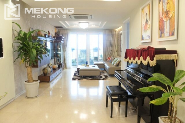 Bright apartment with 3 bedrooms for rent in P2 tower Ciputra Hanoi 4