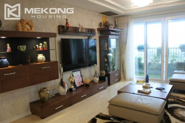 Bright apartment with 3 bedrooms for rent in P2 tower Ciputra Hanoi 6