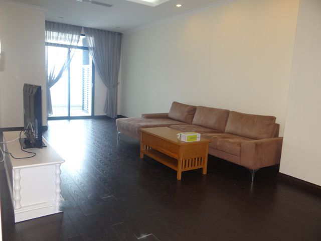 Bright apartment with 3 bedrooms for rent in Vincom tower, Hai Ba Trung district