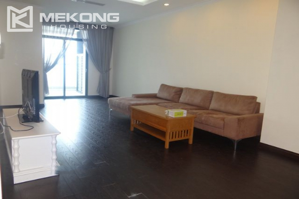 Bright apartment with 3 bedrooms for rent in Vincom tower, Hai Ba Trung district 1