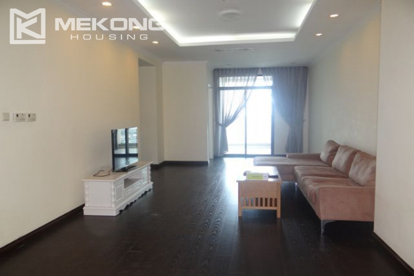 Bright apartment with 3 bedrooms for rent in Vincom tower, Hai Ba Trung district 2