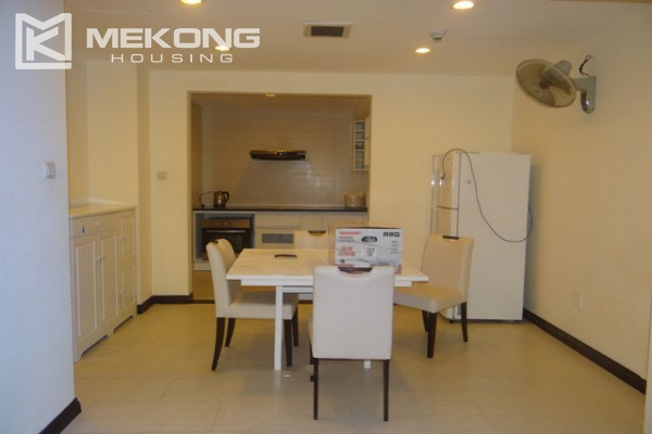 Bright apartment with 3 bedrooms for rent in Vincom tower, Hai Ba Trung district 4
