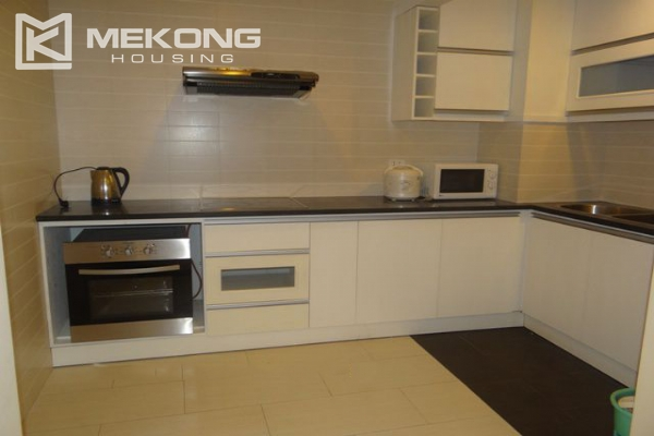 Bright apartment with 3 bedrooms for rent in Vincom tower, Hai Ba Trung district 5