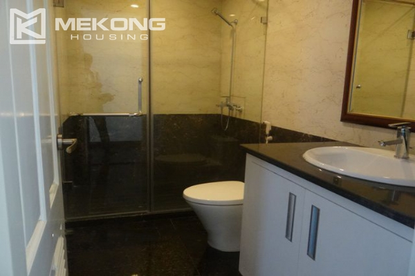 Bright apartment with 3 bedrooms for rent in Vincom tower, Hai Ba Trung district 10