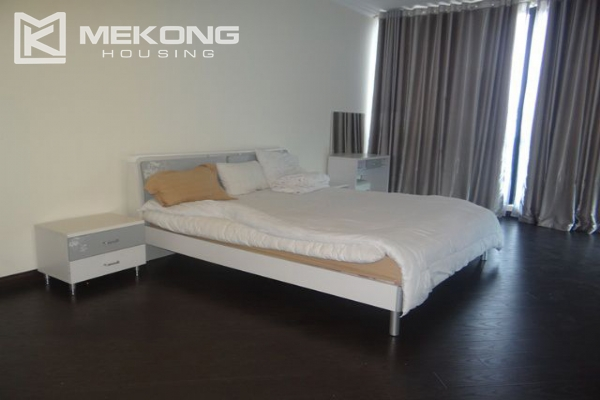 Bright apartment with 3 bedrooms for rent in Vincom tower, Hai Ba Trung district 11
