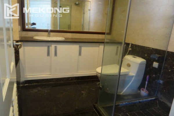 Bright apartment with 3 bedrooms for rent in Vincom tower, Hai Ba Trung district 14