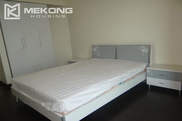 Bright apartment with 3 bedrooms for rent in Vincom tower, Hai Ba Trung district 9
