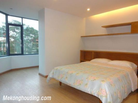 Bright serviced apartment with 1 bedroom for rent in Thuy Khue street, Tay Ho district, Hanoi 5