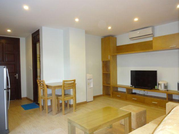 Bright serviced apartment with 1 bedroom for rent in Thuy Khue street, Tay Ho district, Hanoi