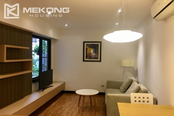 Bright serviced apartment with 1 bedroom in Vong Thi, Tay Ho district 1