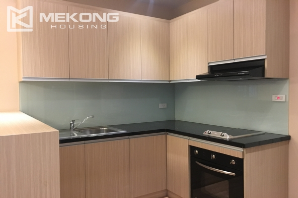 Bright serviced apartment with 1 bedroom in Vong Thi, Tay Ho district 7
