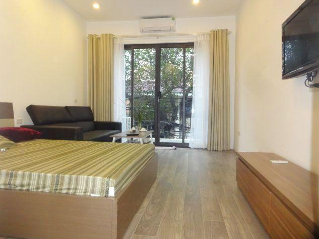 Bright studio serviced apartment for rent in Xuan Dieu street, Tay Ho district, Hanoi