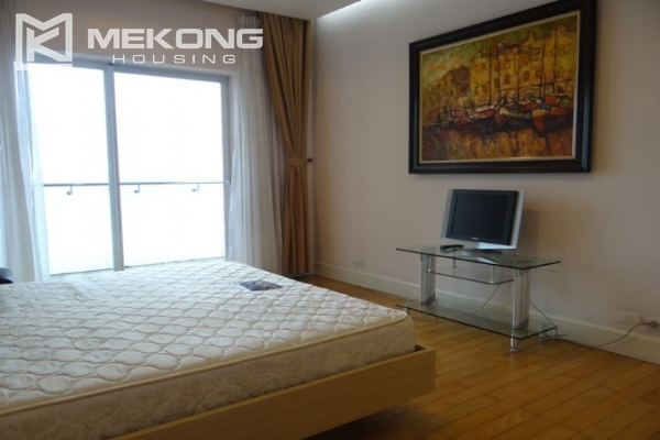Charming apartment with 2 bedrooms and Westlake view for rent in Golden Westlake Hanoi 11