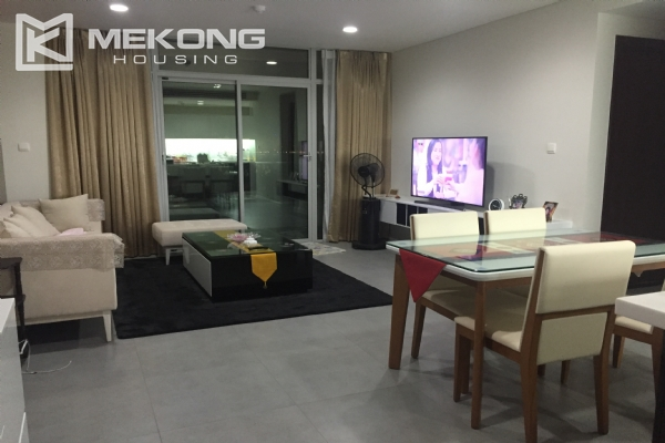 Charming apartment with 2 bedrooms and Westlake view in Watermark Lac Long Quan 1