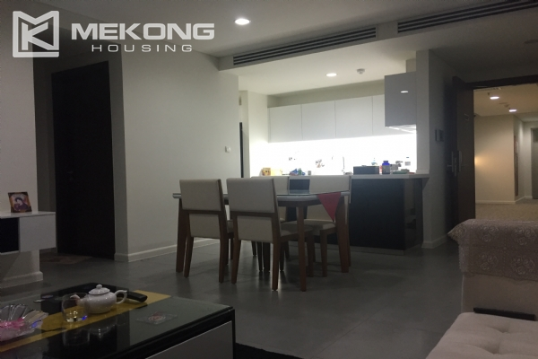 Charming apartment with 2 bedrooms and Westlake view in Watermark Lac Long Quan 2
