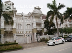 Charming villa with 4 bedrooms and modern furniture in T block, Ciputra Hanoi