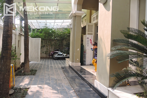 Charming villa with 5 bedrooms and modern furniture in T block, Ciputra Hanoi 6
