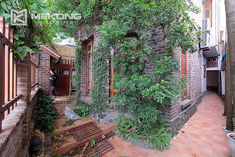 Charming villa with lake view and garden for rent in Tay Ho district 2