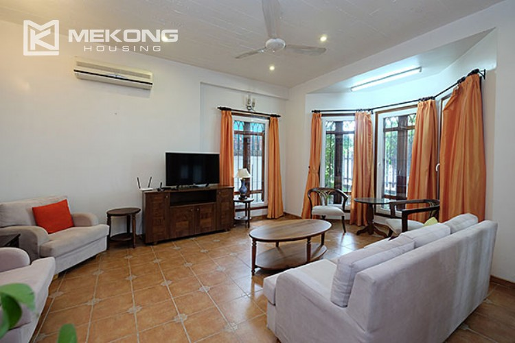 Charming villa with lake view and garden for rent in Tay Ho district 3