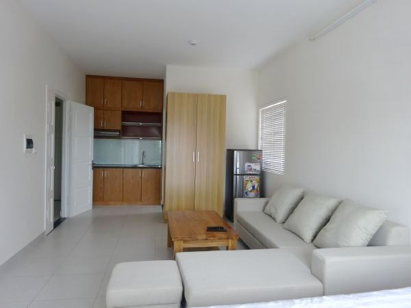 Cheap Apartment For Rent in Lac Long Quan street, Tay Ho district, Hanoi