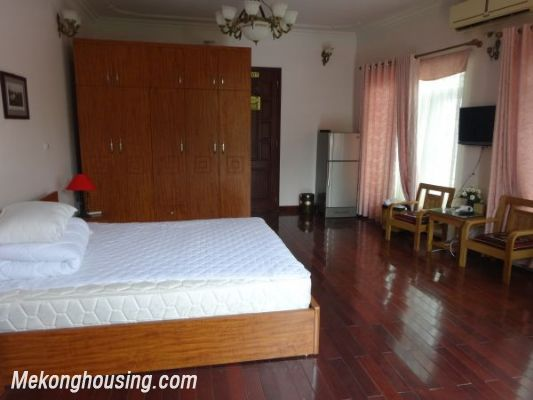 Cheap apartment with lake view for rent in Tay Ho, Hanoi 1