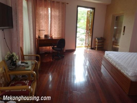 Cheap apartment with lake view for rent in Tay Ho, Hanoi 2