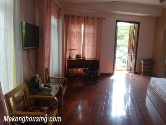 Cheap apartment with lake view for rent in Tay Ho, Hanoi 3