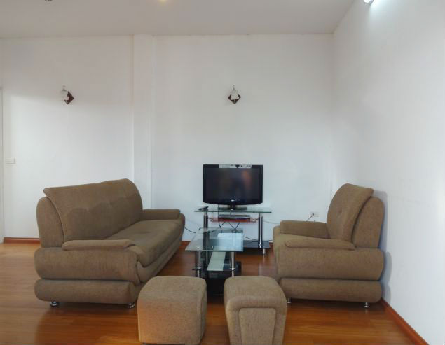 Cheap serviced apartment for rent in Dang Thai Mai street, Tay Ho District, Hanoi