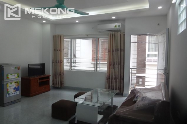Cheap serviced apartment with 1 bedroom for rent in Au Co street, Tay Ho 1