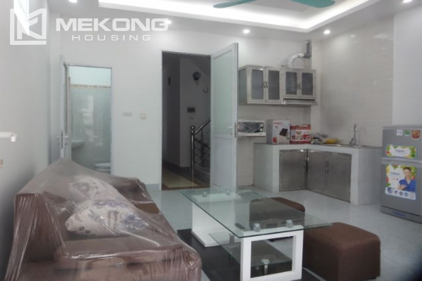Cheap serviced apartment with 1 bedroom for rent in Au Co street, Tay Ho 2