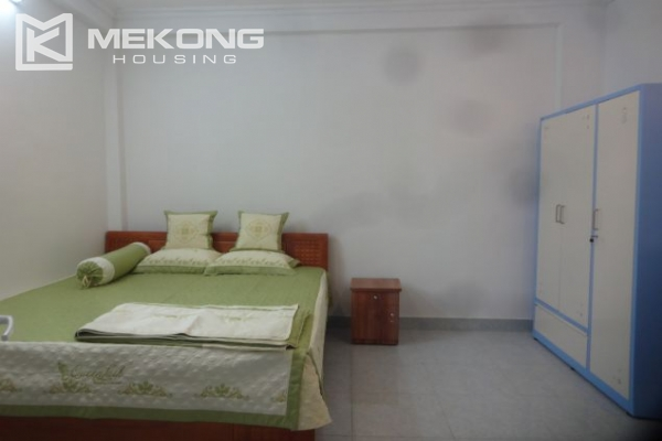 Cheap serviced apartment with 1 bedroom for rent in Au Co street, Tay Ho 4