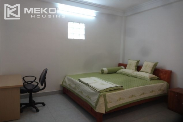 Cheap serviced apartment with 1 bedroom for rent in Au Co street, Tay Ho 5