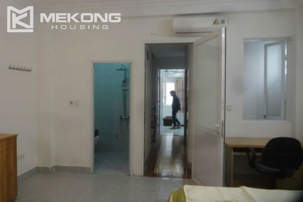 Cheap serviced apartment with 1 bedroom for rent in Au Co street, Tay Ho 6